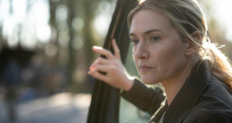 Kate Winslet è Mare Sheehan, una detective di Easttown, Pennsylvania, che si ritrova a indagare sull'omicidio di una ragazza e sulla misteriosa sparizione di un'altra