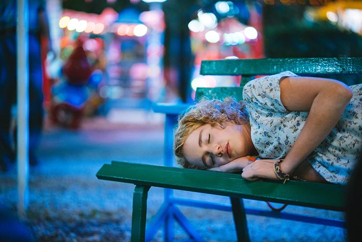 Nina dorme al parco giochi dal film maledetta primavera di Elisa Amoruso